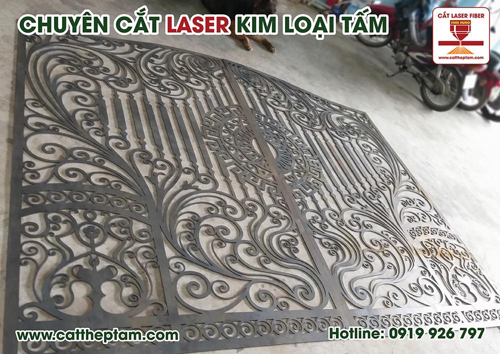 Cắt hoa văn sắt cnc với công nghệ hiện đại từ CNC Vĩnh Hưng, sẽ đem đến những chi tiết sắt sảo, tạo nên giá trị của một tác phẩm nghệ thuật.